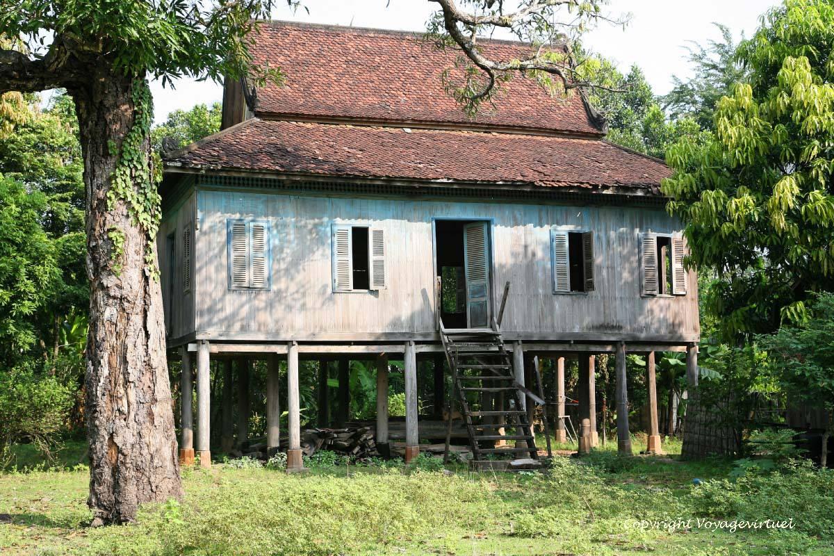 Wunderbar Haus Auf Stelzen Foto Von