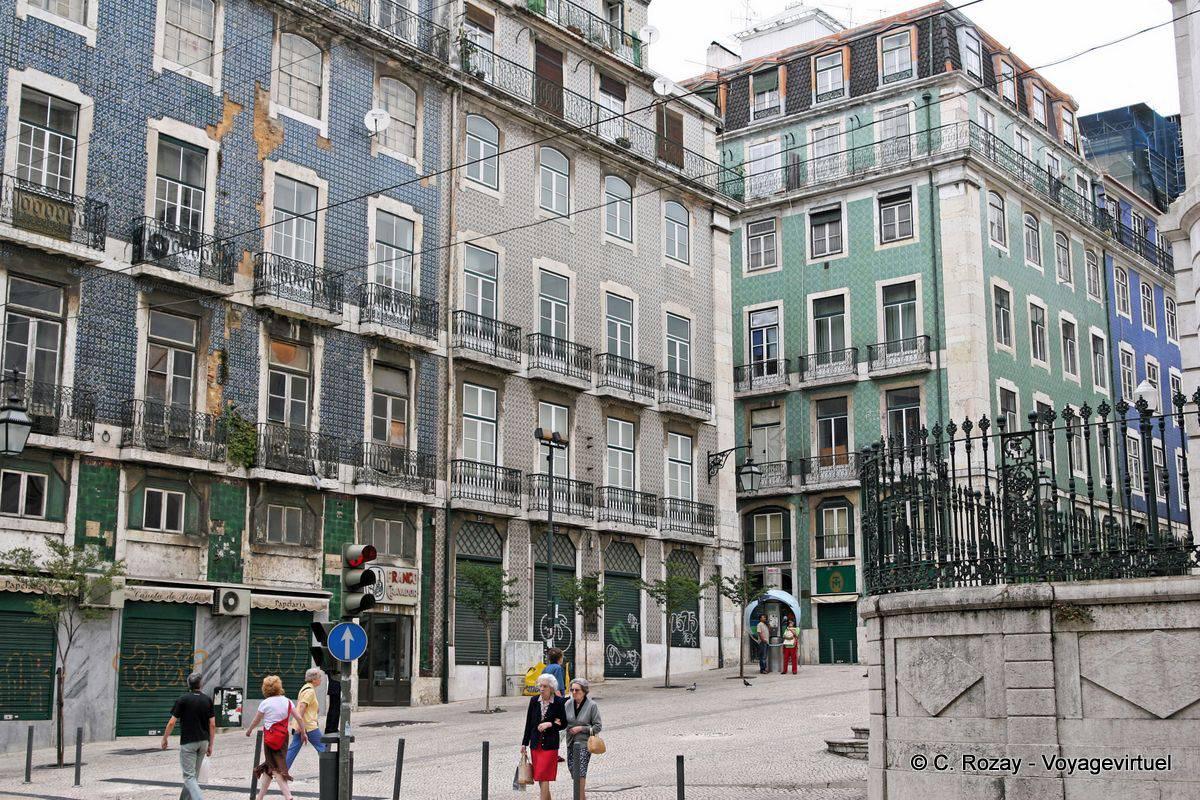 Baixa fassaden von geb uden mit keramischen fliesen for Fliesen portugal